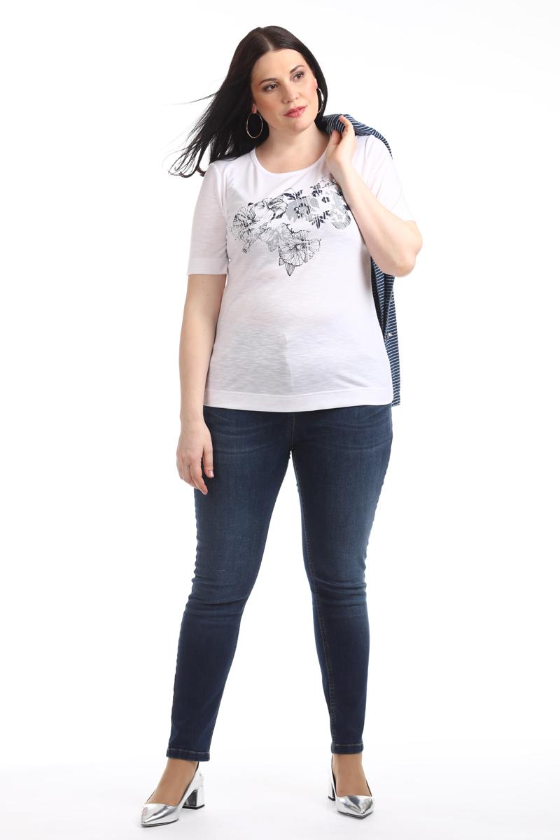 Блузка женская Averi, цвет: белый. 1376_006. Размер 62 (66)1376_006Трикотажная блузка по типу футболка полуприлегающего силуэта с коротким рукавом из тонкого, приятного к телу вискозного трикотажа с цветочным принтом собственной разработки. Модель станет отличным компаньоном для всех жакетов и кардиганов из нашей коллекции.