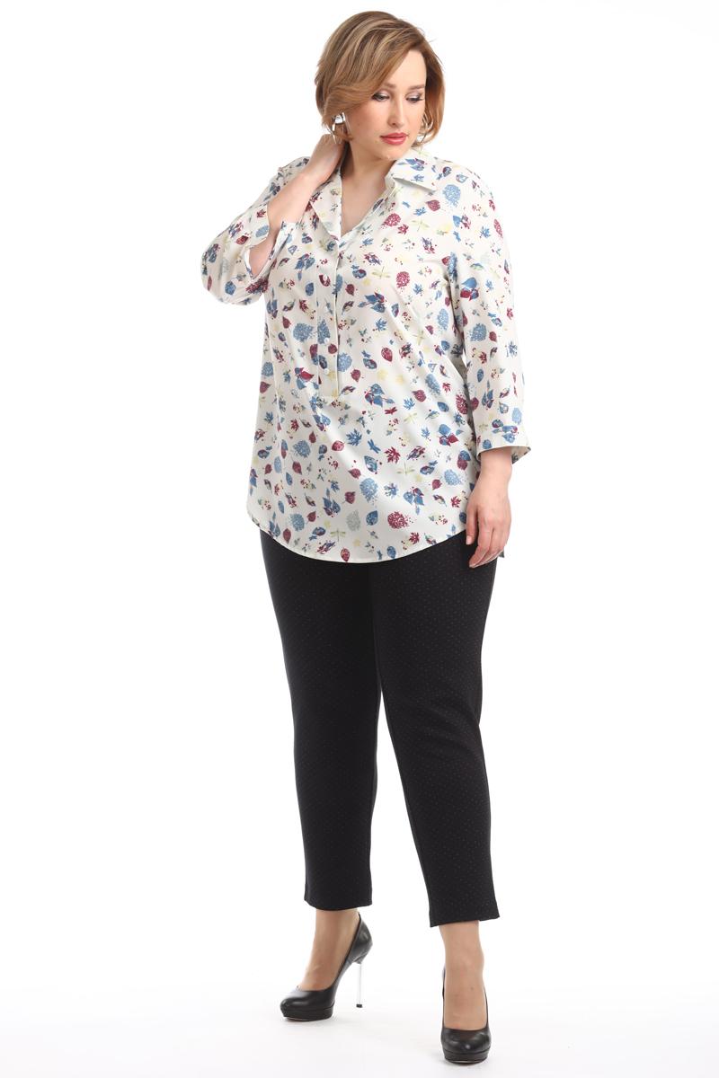 Блузка женская Averi, цвет: экрю. 1359_607. Размер 62 (66)1359_607Удлинённая блузка имеет прямой крой и 3/4 рукав. Очаровательная модель, яркая и очень нежная, невероятно легкая и воздушная, оформлена оригинальным принтом. Застежка-поло на пуговицах, воротник отложной.