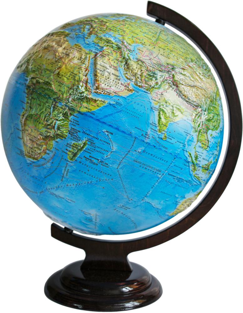 Глобус настольный, рельефный, с физической картой мира, диаметр 32 см. 1024610246Глобус физический рельефный изготовленный из высококачественного прочного пластика, показываетгеографические особенности нашей планеты Земля: горы, леса, пустыни, долины. Изделие расположено надеревянной подставке. На нем отображены картографические линии: гидрографическая сеть, элементыпочвенно-растительного покрова, крупнейшие населенные пункты, теплые и холодные течения, рельефы морскогодна и суши. Горы и возвышенности на поверхности рельефно выделены. Глобус с физической картой мира станетнезаменимым атрибутом обучения не только школьника, но и студента. Все названия на глобусе приведены нарусском языке. Ничто так не обеспечивает всестороннего и детального изучения устройства мира в такомсжатом и объемном образе, как физический глобус. Сделайте первый шаг в стимулирование своего обучения! Масштаб: 1:40 000 000.