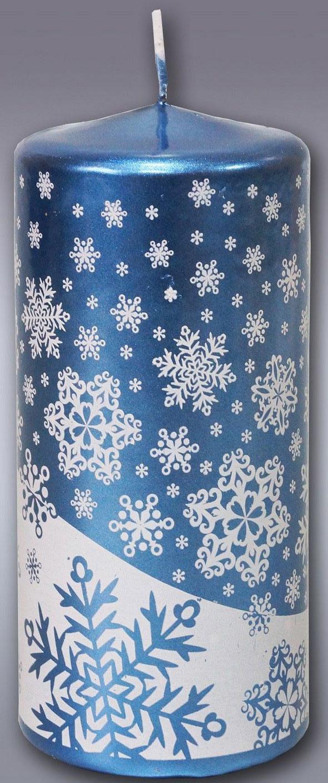 Свеча декоративная Омский свечной завод Новогодняя, цвет: голубой, высота 12,5 см1612643Какой новогодний стол без свечей? Вместе с мандаринами, шампанским и еловыми ветвями они создадут сказочную атмосферу, а их притягательное пламя подарит ощущение уюта и тепла.А еще это отличная идея для подарка! Свеча пеньковая новогодняя, голубая оградит от невзгод и поможет во всех начинаниях в будущем году.Пусть удача сопутствует вам и вашим близким!Невозможно представить нашу жизнь без праздников! Мы всегда ждем их и предвкушаем, обдумываем, как проведем памятный день, тщательно выбираем подарки и аксессуары, ведь именно они создают и поддерживают торжественный настрой. Свеча пеньковая новогодняя, голубая - это отличный выбор, который привнесет атмосферу праздника в ваш дом!Невозможно представить нашу жизнь без праздников! Мы всегда ждем их и предвкушаем, обдумываем, как проведем памятный день, тщательно выбираем подарки и аксессуары, ведь именно они создают и поддерживают торжественный настрой. Свеча пеньковая новогодняя, голубая - это отличный выбор, который привнесет атмосферу праздника в ваш дом!Какой новогодний стол без свечей? Вместе с мандаринами, шампанским и еловыми ветвями они создадут сказочную атмосферу, а их притягательное пламя подарит ощущение уюта и тепла.А еще это отличная идея для подарка! Свеча пеньковая новогодняя, голубая оградит от невзгод и поможет во всех начинаниях в будущем году.Пусть удача сопутствует вам и вашим близким!Каждому хозяину периодически приходит мысль обновить свою квартиру, сделать ремонт, перестановку или кардинально поменять внешний вид каждой комнаты. Свеча пеньковая новогодняя, голубая - привлекательная деталь, которая поможет воплотить вашу интерьерную идею, создать неповторимую атмосферу в вашем доме. Окружите себя приятными мелочами, пусть они радуют глаз и дарят гармонию.Каждому хозяину периодически приходит мысль обновить свою квартиру, сделать ремонт, перестановку или кардинально поменять внешний вид каждой комнаты. Свеча пен