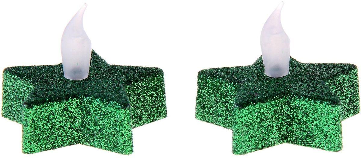 Ночник Sima-land Свеча. Звезда, цвет: зеленый, высота 2 см, 2 шт741596Компактный светильник излучает мягкое сияние, напоминающее настоящее пламя. Свечка включается и выключается нажатием кнопочки снизу и, в отличие от оригинала, не обожжет пальцы и не спровоцирует пожар. Изделие безопасно для детей, поэтому вы сможете расположить его даже на новогодней елке.