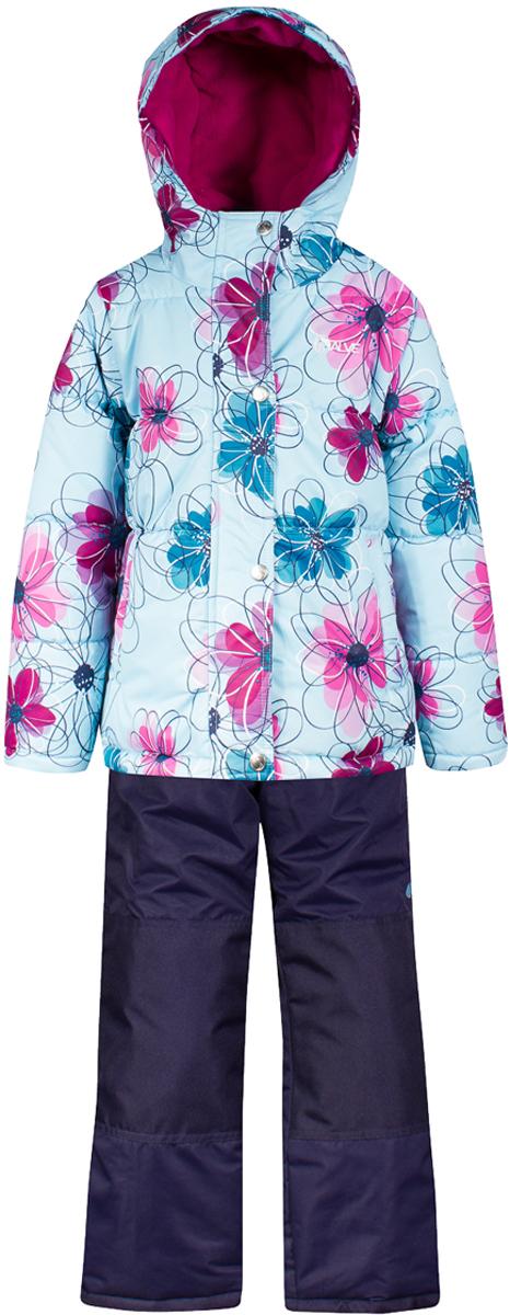 Комплект верхней одежды для девочки Salve by Gusti, цвет: синий. SWG 4654-SKY BLUE. Размер 119SWG 4654-SKY BLUEКомплект Salve by Gusti состоит из куртки и полукомбинезона. Ткань верха куртки: Мембрана с коэффициентом водонепроницаемости 2000 мм и коэффициентом паропроницаемости 2000 г/м2, одежда ветронепродуваемая. Благодаря тонкому полиуретановому напылению изнутри не промокает даже при сильной влаге, но при этом дышит (защита от влаги не препятствует циркуляции воздуха). Плотность ткани Т190 обеспечивает высокую износостойкость. Утеплитель: Тек-Полифилл (Tech-Polyfil) - 283г/м2, силиконизированый полиэстер изготовленный по новейшим технологиям, удерживает тепло при температуре до -30 С. Очень мягкий , создающий объем для сохранения тепла, более плотный на груди и спине (283г/м2) и менее плотный на рукавах (230г/м2). Высокоэффективный, обладающий повышенной устойчивостью к сжатию (после стирки в стиральной машине изделие достаточно встряхнуть), обеспечивающий хорошую вентиляцию, обладающий прекрасным, теплоизолирующими свойствами синтетический материал. Главные преимущества Тек-Полифила – одежда более пушистая на ощупь и менее тяжелое по весу. Подкладка: Высокотехнологичный флис COOLQUICK. Специальное кручение нитей позволяет ткани максимально впитывать влагу и увеличивать испаряемость с поверхности, т.е. выпустить пар, но не пропускает влагу снаружи, что обеспечивает комфорт даже при высоких физических нагрузках. Этот материал ранее был разработан специально для спортсменов, которые испытывали сильные нагрузки во время активного движения, а теперь принес комфорт и тепло в нашу повседневную жизнь. Это особенно важно для детей, когда они гуляют на свежем воздухе, чтобы тело всегда оставалось сухим и теплым. В этой одежде им будет тепло в течение длительного времени и нет необходимости надевать теплый свитер. Ткань верха полукомбинезона: Таслан ( Taslan )- мембрана с коэффициентом водонепроницаемости 2000 мм и коэффициентом паропроницаемости 2000 г/м2, одежда ветроне
