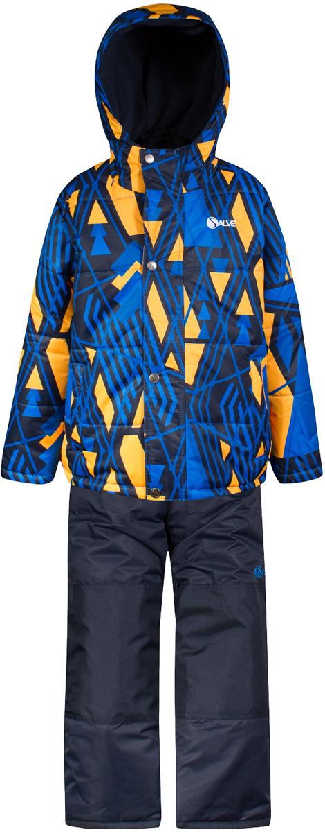 Комплект верхней одежды для мальчика Salve by Gusti, цвет: синий. SWB 4646-NAVY. Размер 96SWB 4646-NAVYТкань верха куртки: Мембрана с коэффициентом водонепроницаемости 2000 мм и коэффициентом паропроницаемости 2000 г/м2, одежда ветронепродуваемая. Благодаря тонкому полиуретановому напылению изнутри не промокает даже при сильной влаге, но при этом дышит (защита от влаги не препятствует циркуляции воздуха). Плотность ткани Т190 обеспечивает высокую износостойкость. Утеплитель: Тек-Полифилл (Tech-Polyfil) - 283г/м2, силиконизированый полиэстер изготовленный по новейшим технологиям, удерживает тепло при температуре до -30 С. Очень мягкий , создающий объем для сохранения тепла, более плотный на груди и спине (283г/м2) и менее плотный на рукавах (230г/м2). Высокоэффективный, обладающий повышенной устойчивостью к сжатию (после стирки в стиральной машине изделие достаточно встряхнуть), обеспечивающий хорошую вентиляцию, обладающий прекрасным, теплоизолирующими свойствами синтетический материал. Главные преимущества Тек-Полифила – одежда более пушистая на ощупь и менее тяжелое по весу. Подкладка: Высокотехнологичный флис COOLQUICK. Специальное кручение нитей позволяет ткани максимально впитывать влагу и увеличивать испаряемость с поверхности, т.е. выпустить пар, но не пропускает влагу снаружи, что обеспечивает комфорт даже при высоких физических нагрузках. Этот материал ранее был разработан специально для спортсменов, которые испытывали сильные нагрузки во время активного движения, а теперь принес комфорт и тепло в нашу повседневную жизнь. Это особенно важно для детей, когда они гуляют на свежем воздухе, чтобы тело всегда оставалось сухим и теплым. В этой одежде им будет тепло в течение длительного времени и нет необходимости надевать теплый свитер. Ткань верха полукомбинезона: Таслан ( Taslan )- мембрана с коэффициентом водонепроницаемости 2000 мм и коэффициентом паропроницаемости 2000 г/м2, одежда ветронепродуваемая. Благодаря тонкому полиуретановому напылению изнутри не п