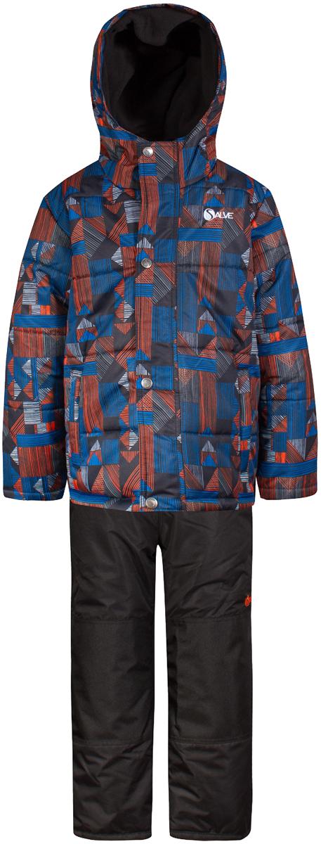 Комплект верхней одежды для мальчика Salve by Gusti, цвет: голубой. SWB 4647-SKYDIVER. Размер 119SWB 4647-SKYDIVERТкань верха куртки: Мембрана с коэффициентом водонепроницаемости 2000 мм и коэффициентом паропроницаемости 2000 г/м2, одежда ветронепродуваемая. Благодаря тонкому полиуретановому напылению изнутри не промокает даже при сильной влаге, но при этом дышит (защита от влаги не препятствует циркуляции воздуха). Плотность ткани Т190 обеспечивает высокую износостойкость. Утеплитель: Тек-Полифилл (Tech-Polyfil) - 283г/м2, силиконизированый полиэстер изготовленный по новейшим технологиям, удерживает тепло при температуре до -30 С. Очень мягкий , создающий объем для сохранения тепла, более плотный на груди и спине (283г/м2) и менее плотный на рукавах (230г/м2). Высокоэффективный, обладающий повышенной устойчивостью к сжатию (после стирки в стиральной машине изделие достаточно встряхнуть), обеспечивающий хорошую вентиляцию, обладающий прекрасным, теплоизолирующими свойствами синтетический материал. Главные преимущества Тек-Полифила – одежда более пушистая на ощупь и менее тяжелое по весу. Подкладка: Высокотехнологичный флис COOLQUICK. Специальное кручение нитей позволяет ткани максимально впитывать влагу и увеличивать испаряемость с поверхности, т.е. выпустить пар, но не пропускает влагу снаружи, что обеспечивает комфорт даже при высоких физических нагрузках. Этот материал ранее был разработан специально для спортсменов, которые испытывали сильные нагрузки во время активного движения, а теперь принес комфорт и тепло в нашу повседневную жизнь. Это особенно важно для детей, когда они гуляют на свежем воздухе, чтобы тело всегда оставалось сухим и теплым. В этой одежде им будет тепло в течение длительного времени и нет необходимости надевать теплый свитер. Ткань верха полукомбинезона: Таслан ( Taslan )- мембрана с коэффициентом водонепроницаемости 2000 мм и коэффициентом паропроницаемости 2000 г/м2, одежда ветронепродуваемая. Благодаря тонкому полиуретановому напылению и