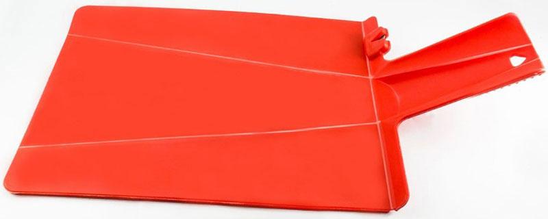 Разделочная доска-ножеточка Libra Plast, цвет: красныйLP0021Складная доска теперь с ножеточкой! Гибкая ручка создает комфорт при использовании. Всем известно, как неудобно сыпать порезанные овощи в кастрюлю - вы обязательно растеряете кусочки. Но с этим приспособлением вы одним движением превратите разделочную доску в удобный совок, и все нарезанные продукты попадут прямо по назначению!