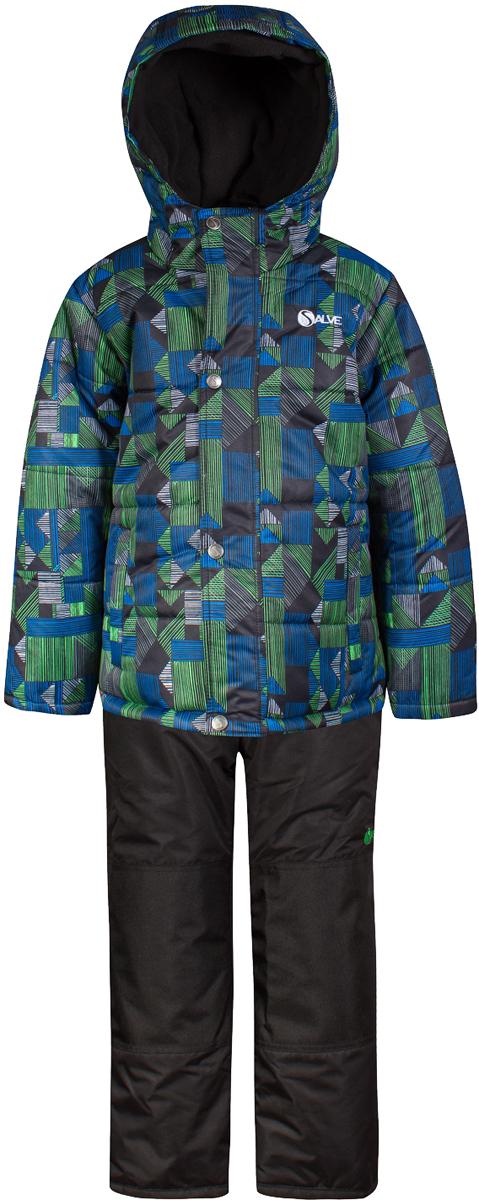 Комплект верхней одежды для мальчика Salve by Gusti, цвет: зеленый. SWB 4647-TOUCAN. Размер 119SWB 4647-TOUCANКомплект Salve by Gusti состоит из куртки и полукомбинезона. Ткань верха куртки: Мембрана с коэффициентом водонепроницаемости 2000 мм и коэффициентом паропроницаемости 2000 г/м2, одежда ветронепродуваемая. Благодаря тонкому полиуретановому напылению изнутри не промокает даже при сильной влаге, но при этом дышит (защита от влаги не препятствует циркуляции воздуха). Плотность ткани Т190 обеспечивает высокую износостойкость. Утеплитель: Тек-Полифилл (Tech-Polyfil) - 283г/м2, силиконизированый полиэстер изготовленный по новейшим технологиям, удерживает тепло при температуре до -30 С. Очень мягкий, создающий объем для сохранения тепла, более плотный на груди и спине (283г/м2) и менее плотный на рукавах (230г/м2). Высокоэффективный, обладающий повышенной устойчивостью к сжатию (после стирки в стиральной машине изделие достаточно встряхнуть), обеспечивающий хорошую вентиляцию, обладающий прекрасным, теплоизолирующими свойствами синтетический материал. Главные преимущества Тек-Полифила – одежда более пушистая на ощупь и менее тяжелое по весу. Подкладка: Высокотехнологичный флис COOLQUICK. Специальное кручение нитей позволяет ткани максимально впитывать влагу и увеличивать испаряемость с поверхности, т.е. выпустить пар, но не пропускает влагу снаружи, что обеспечивает комфорт даже при высоких физических нагрузках. Этот материал ранее был разработан специально для спортсменов, которые испытывали сильные нагрузки во время активного движения, а теперь принес комфорт и тепло в нашу повседневную жизнь. Это особенно важно для детей, когда они гуляют на свежем воздухе, чтобы тело всегда оставалось сухим и теплым. В этой одежде им будет тепло в течение длительного времени и нет необходимости надевать теплый свитер. Ткань верха полукомбинезона: Таслан ( Taslan )- мембрана с коэффициентом водонепроницаемости 2000 мм и коэффициентом паропроницаемости 2000 г/м2, одежда ветронепр