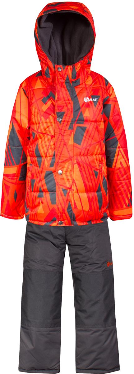 Комплект верхней одежды для мальчика Salve by Gusti, цвет: оранжевый. SWB 4646-ORANGE.COM. Размер 127SWB 4646-ORANGE.COMТкань верха куртки: Мембрана с коэффициентом водонепроницаемости 2000 мм и коэффициентом паропроницаемости 2000 г/м2, одежда ветронепродуваемая. Благодаря тонкому полиуретановому напылению изнутри не промокает даже при сильной влаге, но при этом дышит (защита от влаги не препятствует циркуляции воздуха). Плотность ткани Т190 обеспечивает высокую износостойкость. Утеплитель: Тек-Полифилл (Tech-Polyfil) - 283г/м2, силиконизированый полиэстер изготовленный по новейшим технологиям, удерживает тепло при температуре до -30 С. Очень мягкий , создающий объем для сохранения тепла, более плотный на груди и спине (283г/м2) и менее плотный на рукавах (230г/м2). Высокоэффективный, обладающий повышенной устойчивостью к сжатию (после стирки в стиральной машине изделие достаточно встряхнуть), обеспечивающий хорошую вентиляцию, обладающий прекрасным, теплоизолирующими свойствами синтетический материал. Главные преимущества Тек-Полифила – одежда более пушистая на ощупь и менее тяжелое по весу. Подкладка: Высокотехнологичный флис COOLQUICK. Специальное кручение нитей позволяет ткани максимально впитывать влагу и увеличивать испаряемость с поверхности, т.е. выпустить пар, но не пропускает влагу снаружи, что обеспечивает комфорт даже при высоких физических нагрузках. Этот материал ранее был разработан специально для спортсменов, которые испытывали сильные нагрузки во время активного движения, а теперь принес комфорт и тепло в нашу повседневную жизнь. Это особенно важно для детей, когда они гуляют на свежем воздухе, чтобы тело всегда оставалось сухим и теплым. В этой одежде им будет тепло в течение длительного времени и нет необходимости надевать теплый свитер. Ткань верха полукомбинезона: Таслан ( Taslan )- мембрана с коэффициентом водонепроницаемости 2000 мм и коэффициентом паропроницаемости 2000 г/м2, одежда ветронепродуваемая. Благодаря тонкому полиуретановому напыл