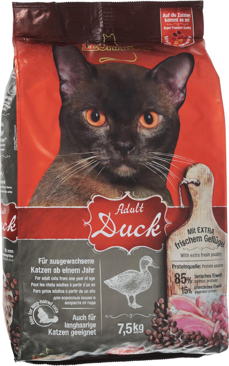 Корм сухой Leonardo Adult для кошек, для облегчения вывода комков шерсти из желудка, с уткой и рисом, 7,5 кг63060Корм сухой для взрослых кошек Leonardo это очень вкусный корм для кошек, которые любят птицу. Рецепт был улучшен добавлением семян чии и вкусного криля - маленьких рачков из Антарктики. Большой уровень Омега-3 жирных кислот, совместно с лецитином, помогают поддерживать здоровье кожи и блеск шерсти.Корм с уткой и рисом способствует выведению комочков шерсти из желудка и кишечника. Снижает образование зубного камня и зубного налета. Корм обладает профилактикой мочекаменной болезни и подходит для кастрированных и стерилизованных котов и кошек. Особые ингредиенты:Мука из виноградных косточек - биологически активные вещества из виноградных косточек (полифенолы) защищают клетки организма питомца.Морской зоопланктон (криль) обогащен важными компонентами, такими как жирные кислоты Омега-3, астаксантин и натуральные энзимы. Семена чии поддерживают пищеварение при помощи природных слизистых веществ и содержат 20% жирных кислот Омега-3. Состав: свежее мясо птицы (30%); белок утки, высушенный (18%); рис; белок домашней птицы пониженной зольности; высушенный (10%) картофельный крахмал; жир домашней птицы; гидролизат печени птицы; рожь; солод; высушенное яйцо; мука сельди (2,5%); морской зоопланктон; измельченный криль (2,5%); пивные дрожжи; мука из виноградной косточки; семена чии; гуаровая камедь; поваренная соль; калий хлористый; инулин. Анализ: белок 32%, жиры 20%, сырая зола 7,9%, клетчатка 2,3%, влага 10%, кальций 1,2%, фосфор 0,8%, натрий 0,4%, магний 0,09%. Добавки на 1 кг: витамин А - 15000 МЕ, витамин Д3 - 1500 МЕ, витамин Е - 150 мг, медь - 20 мг, таурин - 1400 мг, лецитин - 2000 мг, DL - метионин. Размер гранул - 10 мм. Товар сертифицирован.