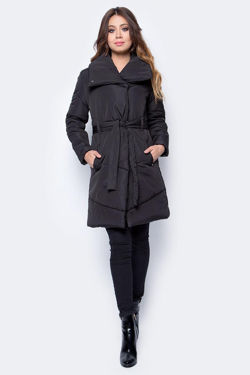 Пальто женское Top Secret, цвет: черный. SPZ0332CA. Размер 36 (42)SPZ0332CAСтильное женское пальто Top Secret изготовлено из высококачественного полиэстера. В качестве утеплителя используется синтепон. Пальто с объемным воротником-стойкой застегивается на молнию и кнопки. Спереди расположены два прорезных кармана. Модель дополнена поясом на талии.