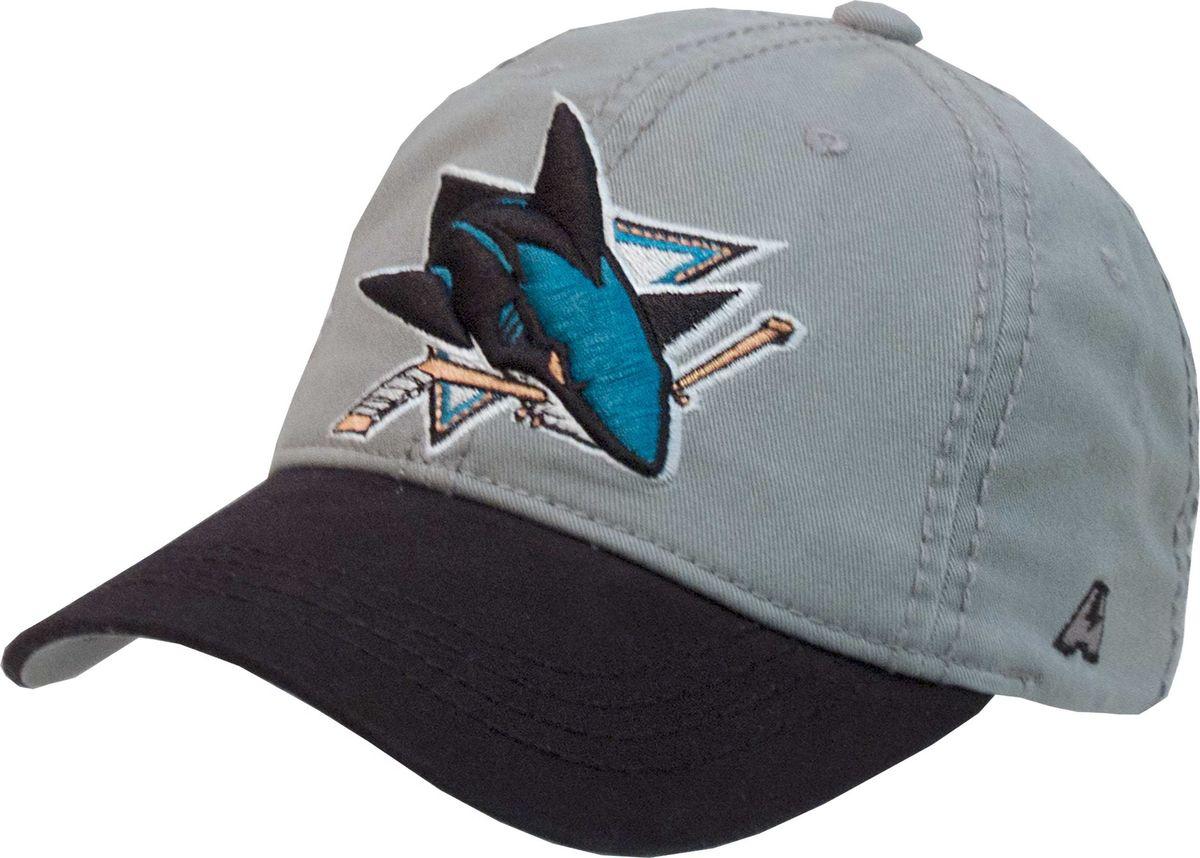 Бейсболка Atributika & Club San Jose Sharks, цвет: серый, черный. 29065. Размер 55/5829065Бейсболка выполнена из высококачественного материала. Модель дополнена широким твердым козырьком и оформлена объемной вышивкой.