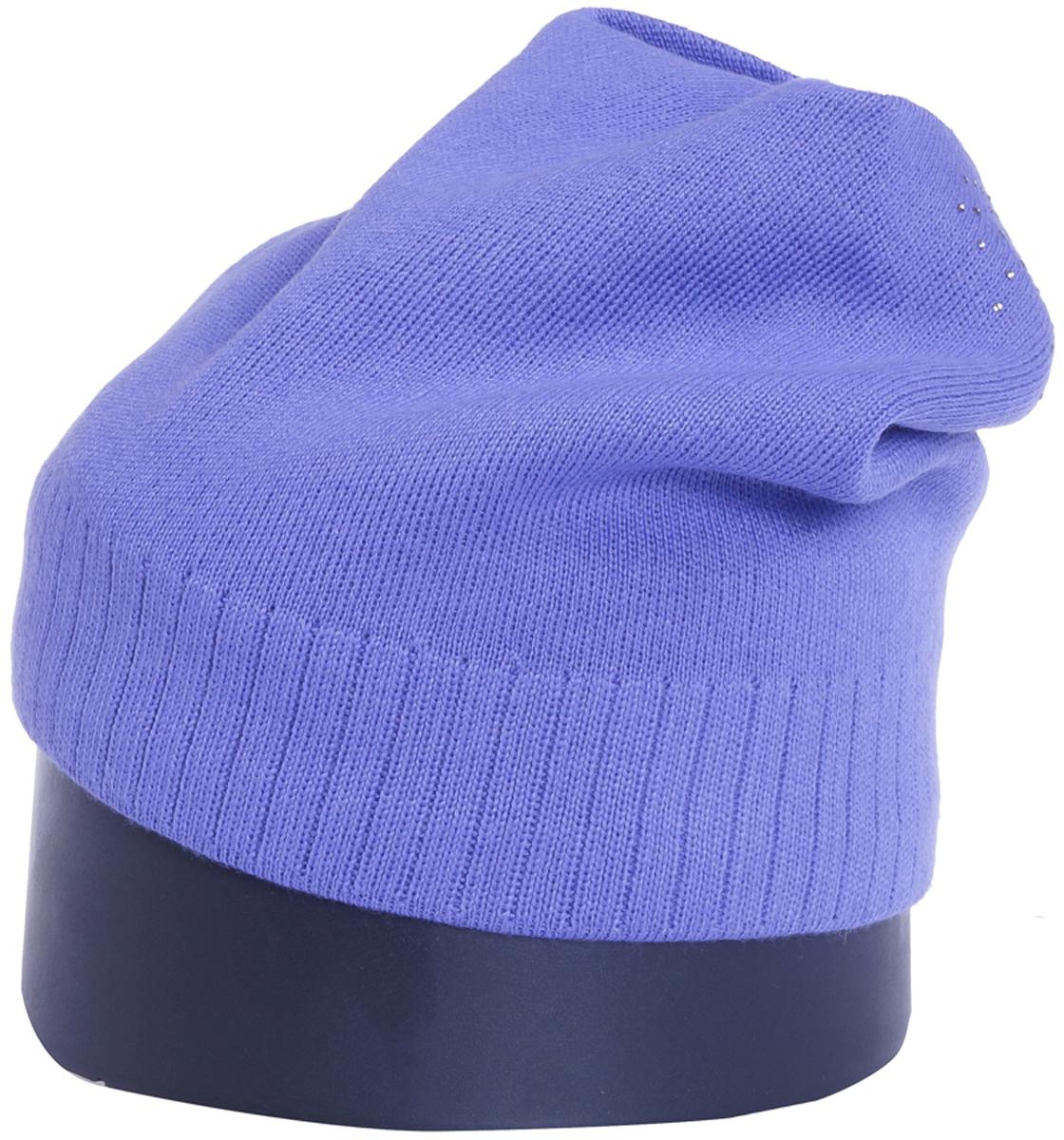 Шапка женская Vittorio Richi, цвет: гиацинт. Aut141902C-66/17. Размер 56/58Aut141902CУдлиненная женская шапка Vittorio Richi отлично дополнит ваш образ в холодную погоду. Модель, изготовленная из шерсти с добавлением полиамида, максимально сохраняет тепло и обеспечивает удобную посадку. Шапка декорирована сзади узором из страз. Привлекательная стильная шапка подчеркнет ваш неповторимый стиль и индивидуальность.