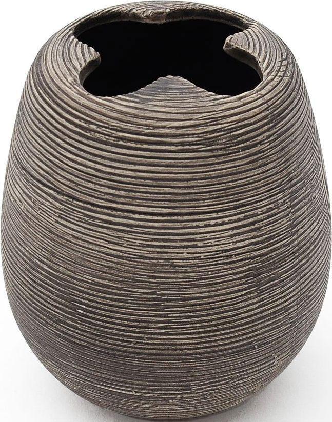 Стакан для зубных щеток с разделителем Verran Brushy. 860-02860-02Рельефная поверхность, испещренная линиями и бороздками, в сочетании с цветом делают этот стакан для зубных щеток эффектным и ультрасовременным. Аксессуар великолепно дополняет сдержанные интерьеры ванных комнат, вдохновленные скандинавским стилем в дизайне.