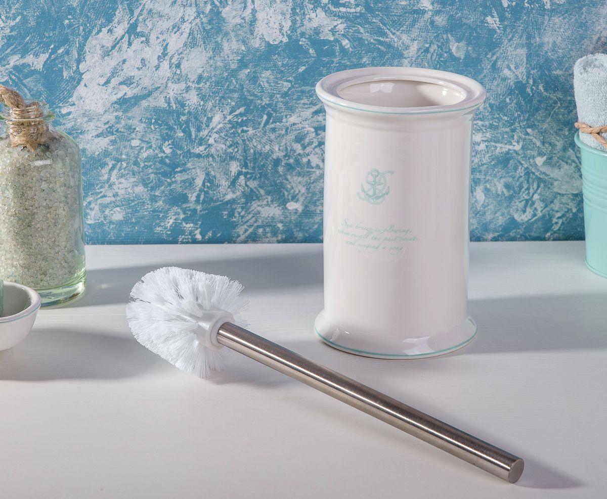 """Ершик """"Atlantic"""" выполнен в классическом стиле. Утонченные, изящные формы создают законченный образ ванной комнаты, привлекая своей изысканностью. Красивая цветовая гамма, глянцевая поверхность предметов добавят колоритности вашей ванной комнате."""