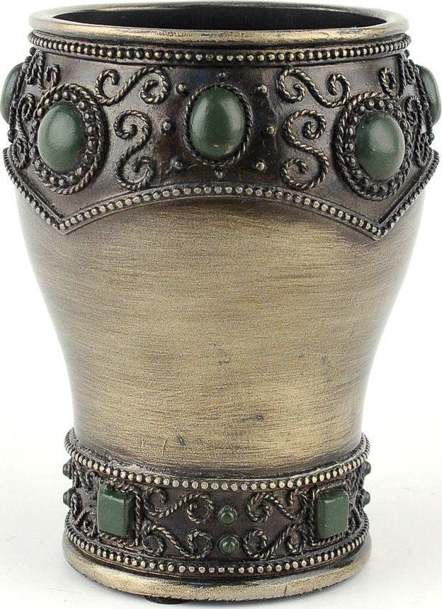 Выполненный в восточном стиле стаканчик богато украшен декоративными элементами. Стаканчик в сочетании с другими предметами коллекции позволит создать интерьер с нотками загадочности и величественности.