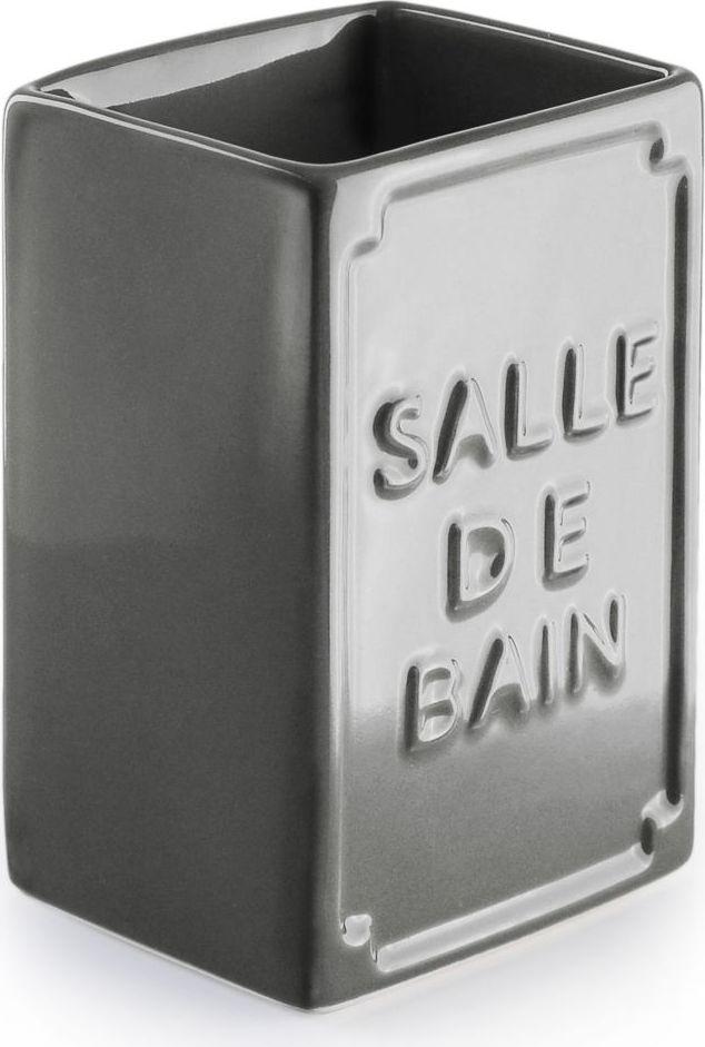 Стакан для зубных щеток Wess Salle de bain, цвет: серый. G85-79G85-79Простые линии, универсальный серый цвет, объемная надпись, напоминающая парижские рекламные вывески начала XX века, позволяют стакану для зубных щеток Salle de bain легко занять свое место как в классическом, так и современном интерьере.