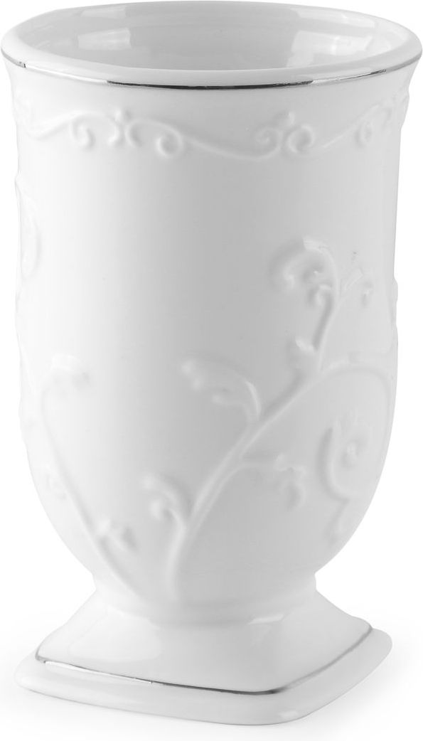 Безупречный белый цвет стаканчика для зубных щеток, в сочетании с изящной формой и керамическим блеском, создают прекрасную композицию. Добавьте сюда лаконичную функциональность стаканчика, и он станет незаменимым предметом для любой ванной комнаты.