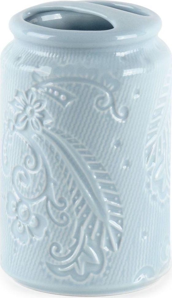 Стакан для зубных щеток Wess Frio, с разделителем, цвет: синий. G86-85G86-85Стаканчик для зубных щеток с разделителем не только стильный, но и удобный. Разделитель не дает щеткам перемешиваться между собой, сохраняя порядок в стаканчике. Нежный голубой оттенок и глянцевая керамическая поверхность стаканчика превращают его из простого аксессуара в полноценный элемент декора.