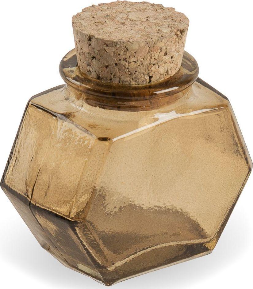 Флакон декоративный Moroshka Naturel, шестиугольный, цвет: коричневый, 6,5 х 3,7 х 6,8 смxx004-100Стеклянный шестиугольный флакон Moroshka Naturel предназначен для хранения жидких или сыпучих веществ. Мягкая крышка из пробки герметично закрывается и легко открывается. Все стеклянные изделия Naturel изготовлены из вторичного сырья, что оправдывает название коллекции не только в дизайне.