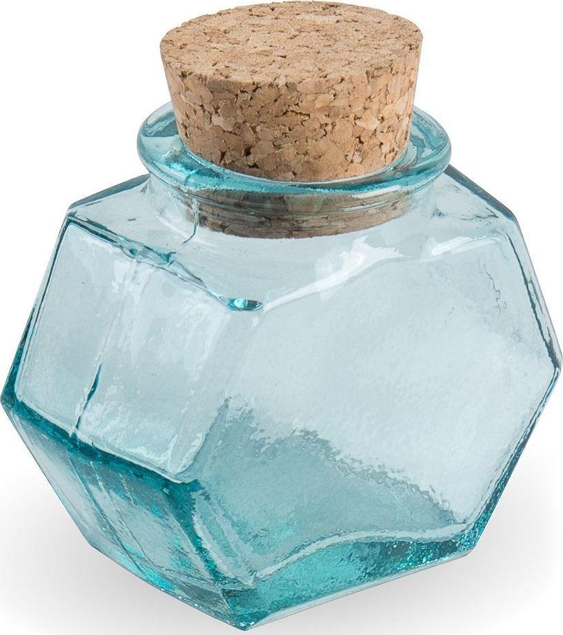 Флакон декоративный Moroshka Naturel, шестиугольный, цвет: синий, 6,5 х 3,7 х 6,8 смxx004-98Стеклянный шестиугольный флакон Moroshka Naturel предназначен для хранения жидких или сыпучих веществ. Мягкая крышка из пробки герметично закрывается и легко открывается. Все стеклянные изделия Naturel изготовлены из вторичного сырья, что оправдывает название коллекции не только в дизайне.