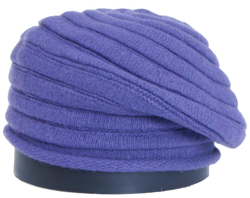 Шапка женская Vittorio Richi, цвет: темно-сливовый. Aut161825L-51/17. Размер 56/58Aut161825LСтильная женская шапка Vittorio Richi отлично дополнит ваш образ в холодную погоду. Модель, изготовленная из высококачественных материалов, максимально сохраняет тепло и обеспечивает удобную посадку. Привлекательная стильная шапка подчеркнет ваш неповторимый стиль и индивидуальность.