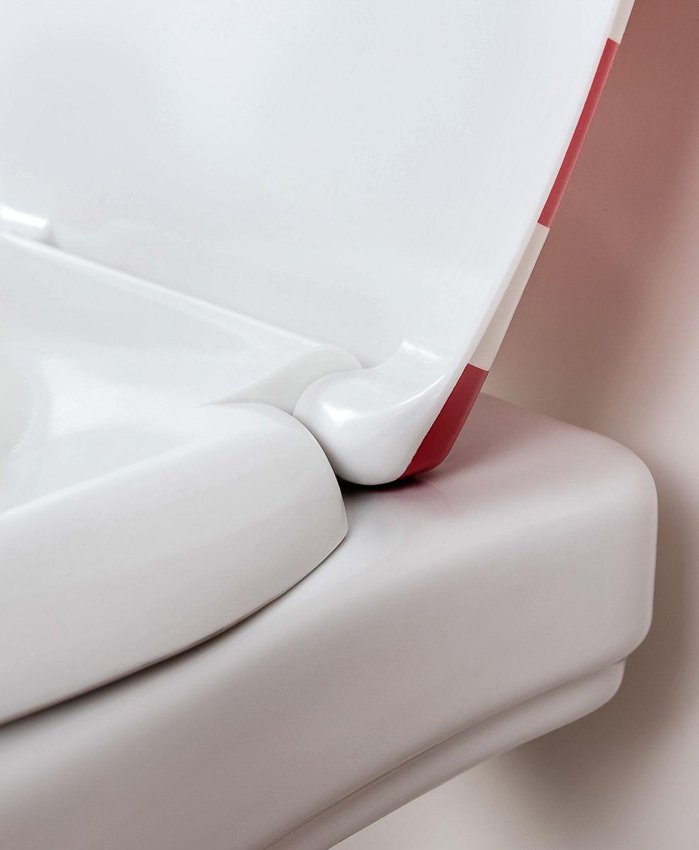 """Сиденье Moroshka """"Maritime"""", выполненное из дюропласта, ощущается комфортным и теплым благодаря низкой теплопроводимости. Стоп-накладки на крышке унитаза препятствуют громким стукам при закрывании. Универсальный тип крепления подходит для стандартных унитазов."""