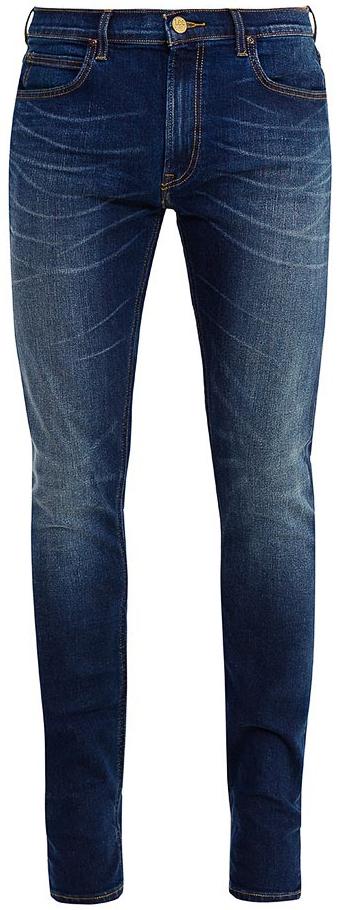 Джинсы мужские Lee Luke, цвет: темно-синий. L719KIHF. Размер 34-32 (50-32)L719KIHFМужские джинсы Lee Luke - это универсальные джинсы на все времена. Джинсы изготовлены из аутентичной жесткой джинсовой ткани со стрейчевым эффектом, дизайнерским осветлением и полосато-мятым эффектом. Джинсы зауженного кроя стандартной посадки на талии застегиваются на пуговицу в поясе и ширинку на застежке-молнии. На поясе имеются шлевки для ремня. Модель представляет собой классическую пятикарманку: два втачных и накладной карманы спереди и два накладных кармана сзади.Оформление: фирменный логотип Lee на кожаной коричневой бирке сзади, винтажная медная кнопка и заклепки, тональный табачный шов. Джинсы подходят для повседневного использования в прохладную погоду, плотность ткани 12,5 унций.