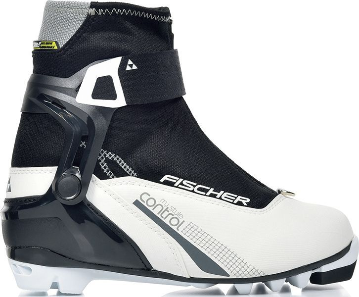 Ботинки лыжные женские Fischer XC Control My Style, цвет: белый. S28217. Размер 36S28217Лыжные ботинки Fischer XC Control My Style для стильных лыжниц. Комфортная модель с дышащей мембраной Triple-F и новой манжетой для поддержки голеностопа обеспечивает максимальный комфорт при катании.Ankle Support Cuff ASC3.Новая манжета обеспечивает хорошую торсионную жесткость и поддержку голеностопа. Индивидуальная регулировка при помощи ремешка Powerstrap.Thermo Fit.Термоформируемый материал внутреннего ботинка обладает прекрасными изоляционными свойствами и легко адаптируется по ноге.Easy Entry Loops.Широкое раскрытие ботинка и практичная петля на пятке облегчают надевание/снимание ботинок.Gaiter Ring.Кольцо-крепление, подходящие для всех популярных моделей гамашей, для дополнительной защиты от снега и влаги.Velcro Strap.Застежка на липучке, для быстрого регулирования и застегивания/расстегивания.Lace Cover.Дополнительная защита шнуровки, предотвращает проникновение влаги и холода.Triple F Membrane.Влагонепроницаемая мембрана, обладающая дышащими свойствами, позволяет ногам оставаться сухими в любую погоду.Comfort Guard.Очень легкий, водоотталкивающий изоляционный материал. Дополнительно защищает от холода мысок и переднюю часть стопы.