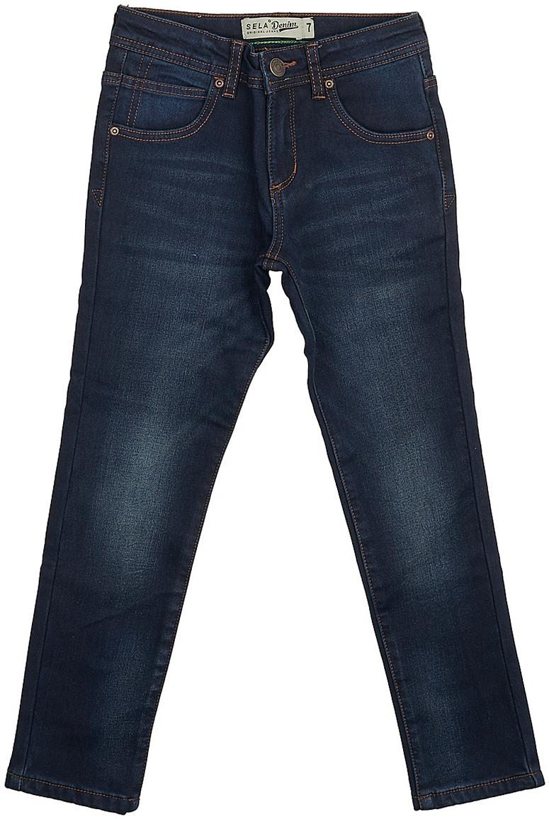 Брюки для мальчика Sela, цвет: темно-синий. PJ-835/105-7442. Размер 152, 12 летPJ-835/105-7442Утепленные джинсы для мальчика от Sela выполнены из эластичного хлопка на флисовой подкладке. Модель прямого кроя в талии застегивается на пуговицу, имеются шлевки для ремня и ширинка на застежке-молнии. Джинсы имеют классический пятикарманный крой и оформлены перманентными складками и потертостями.