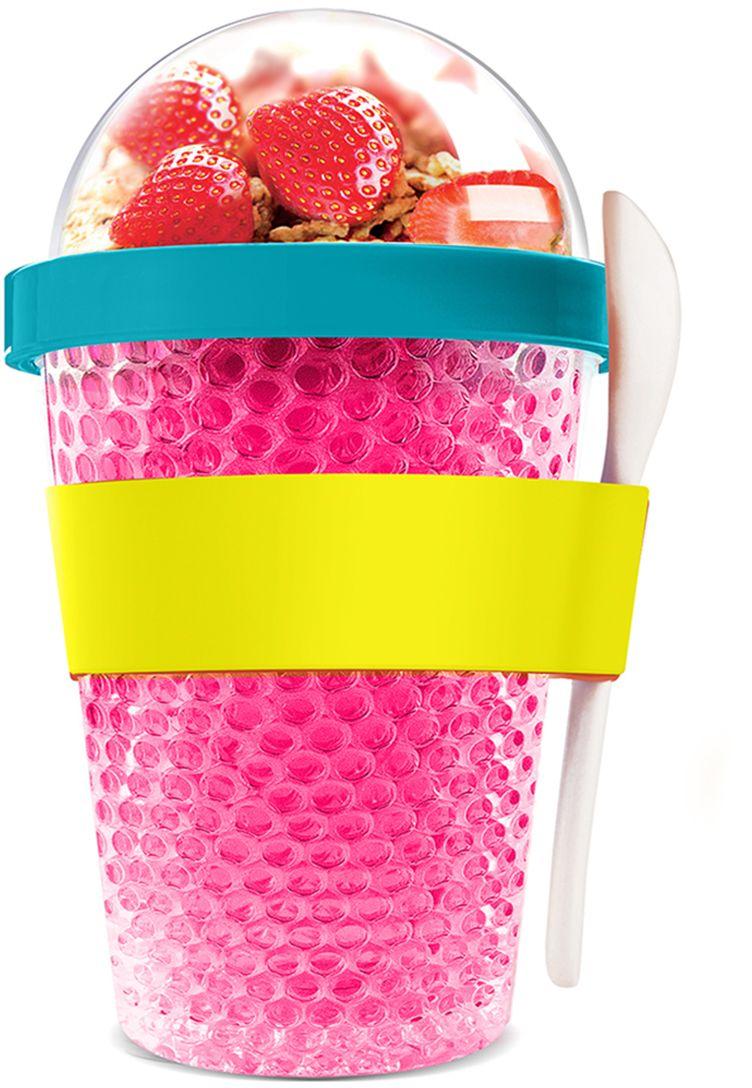 Контейнер Asobu Chill yo 2 go, цвет: розовый, 380 млCY2GO pinkЗаполните контейнер вашим любимым йогуртом! Поместите свой любимый топпинг в крышку! И возьмите с собой в дорогу! Контейнер Asobu Yo2go improved позаботится о вашем вкусном десерте! Yo2go - контейнер для йогурта контеи десертов. Контейнер имеет жесткий акриловый корпус с двойными стенками. Включает в себя белую ложку из пищевого безопасного пластика ABS, которая помещается в силиконовое кольцо и никогда не выскользнет. Для удобного удерживания контейнер обернут силиконовой лентой. Особенности: 360 мл.Ложка из пищевого безопасного пластика ABS.Простой и функциональный дизайн.Жесткий прозрачный акриловый корпус с двойными стенками.Крышка.Экологичный.Идеален для работы и школы.