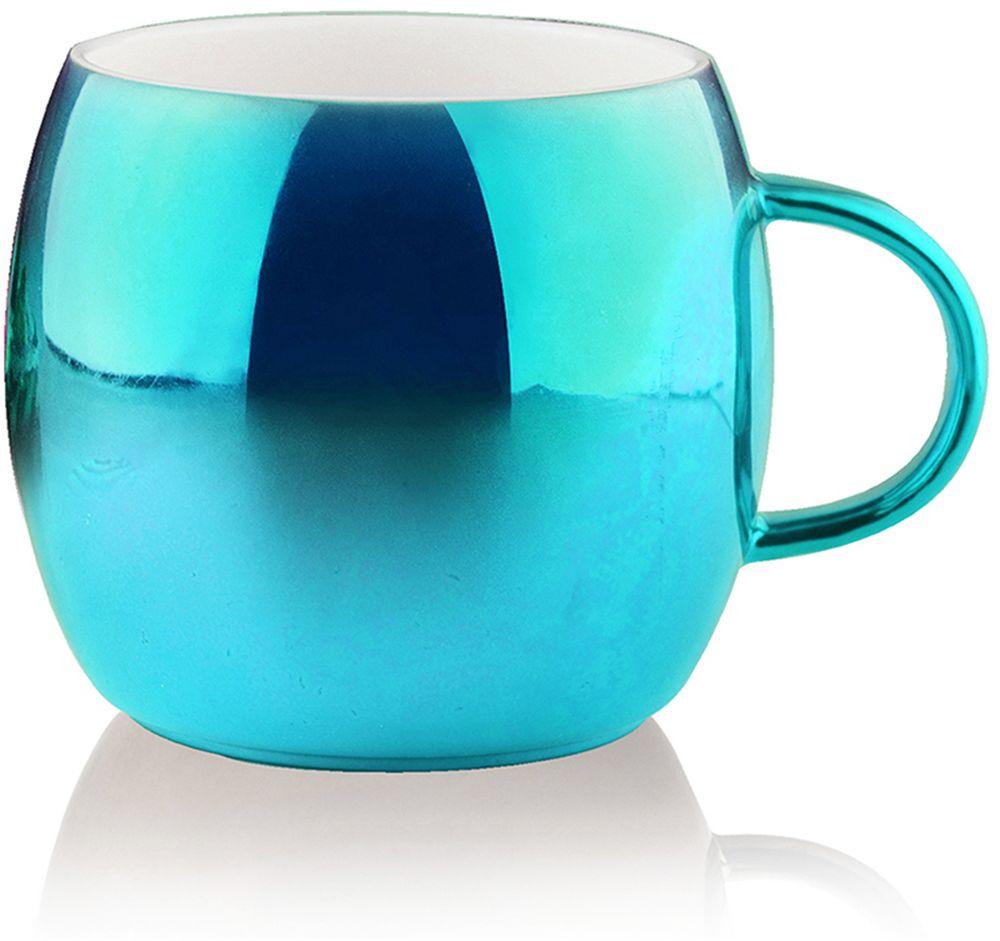 Кружка Asobu Sparkling mugs, цвет: голубой, 380 млMUG 550 blueНасладитесь чашечкой горячего шоколада или любимого праздничного напитка с игристой коллекцией кружек Asobu Sparkling mugs. Глянцевое, полированное покрытие кружек мерцает и переливается, создавая особенное, праздничное настроение.* Обратите внимание, что в связи с глянцевым покрытием могут быть незначительные недостатки в отделке. Особенности: - 390 мл. - Экстраглянцевое покрытие. - Яркие праздничные цвета. - Идеально подходит для горячего шоколада или других праздничных напитков. - Мыть только руками! Не рекомендуется мыть в посудомоечной машине!