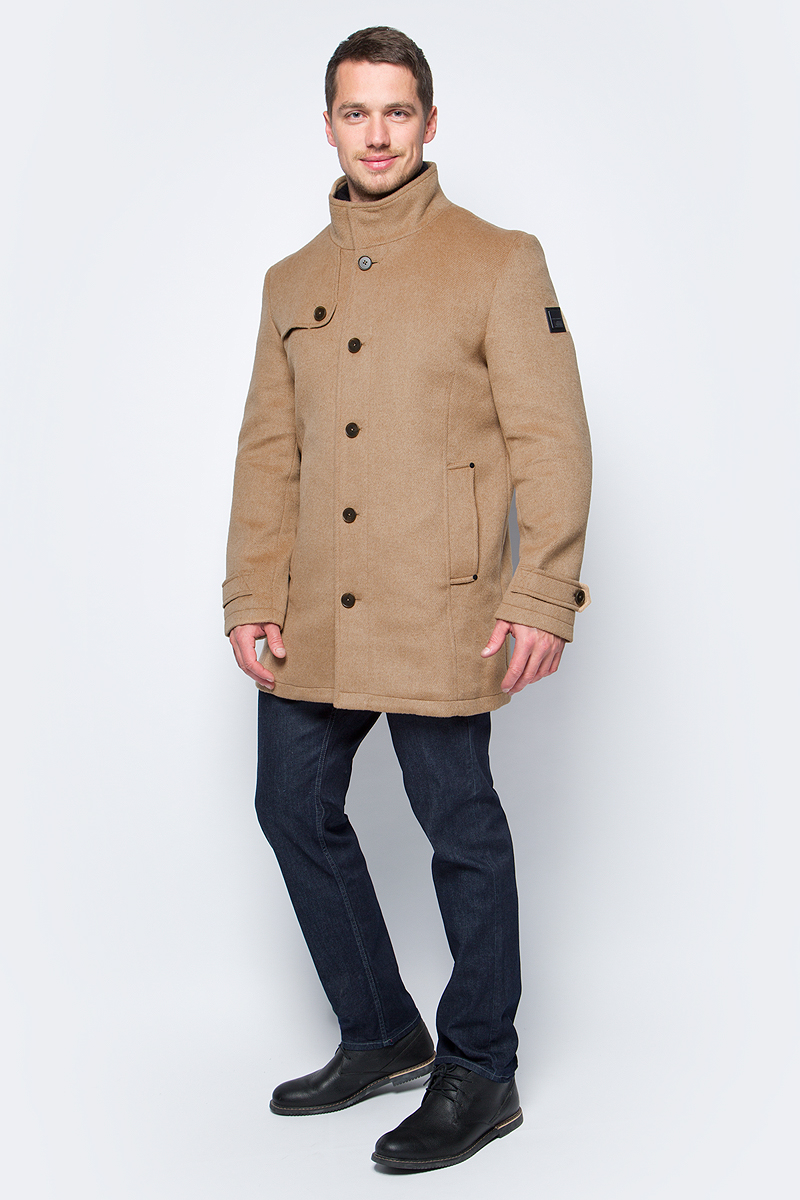 Пальто мужское Tom Tailor, цвет: коричневый. 3821070.00.10_8281. Размер M (48)3821070.00.10_8281Мужское пальто Tom Tailor выполнено из высококачественного полиэстера. Модель с воротником-стойка застегивается на пуговицы. Изделие имеет прямой крой. Спереди расположены два прорезных кармана.
