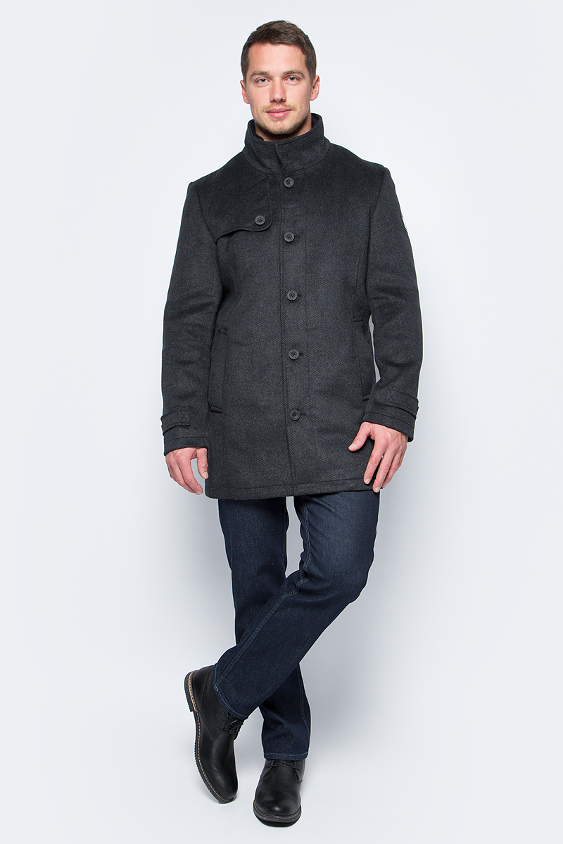 Пальто мужское Tom Tailor, цвет: черный. 3821070.00.10_2999. Размер L (50)3821070.00.10_2999Мужское пальто Tom Tailor выполнено из высококачественного полиэстера. Модель с воротником-стойка застегивается на пуговицы. Изделие имеет прямой крой. Спереди расположены два прорезных кармана.