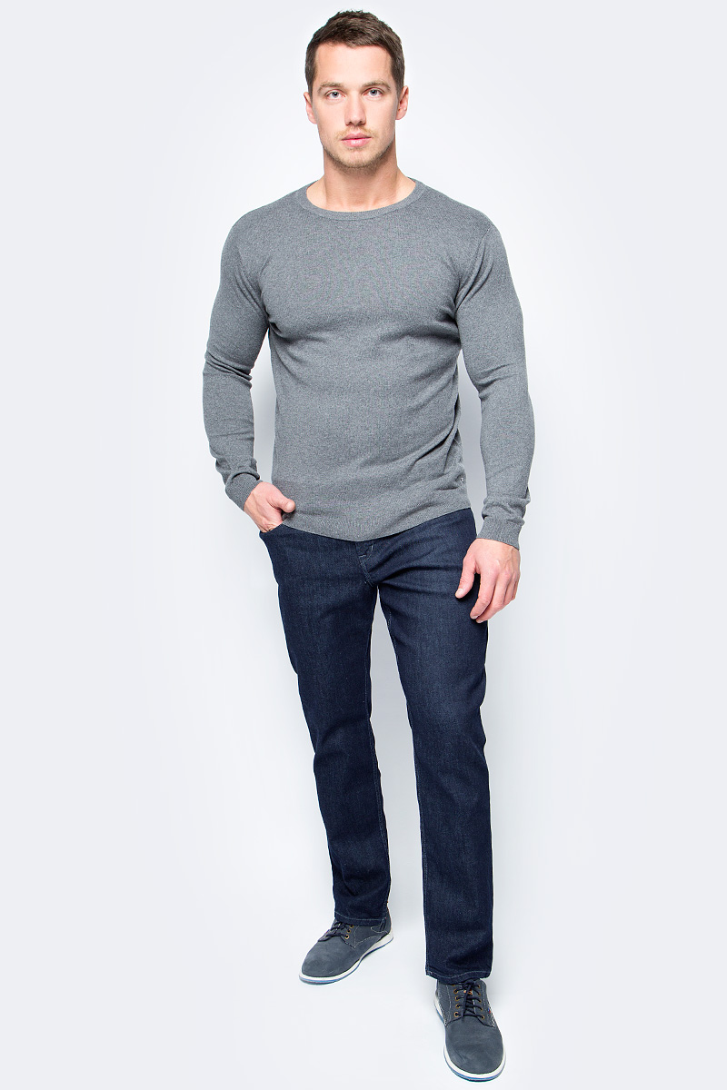 Джинсы мужские Tom Tailor, цвет: темно-синий. 6205842.09.10_1100. Размер 38-34 (52/54-34)6205842.09.10_1100Стильные мужские джинсы Tom Tailor, выполненные из высококачественного материала, станут отличным дополнением к вашему гардеробу. Модель стандартной посадки на талии застегиваются на пуговицу и имеют ширинку на застежке-молнии. На поясе имеются шлевки для ремня. Модель представляет собой классическую пятикарманку: два втачных и один маленький накладной кармашек спереди и два накладных кармана сзади.