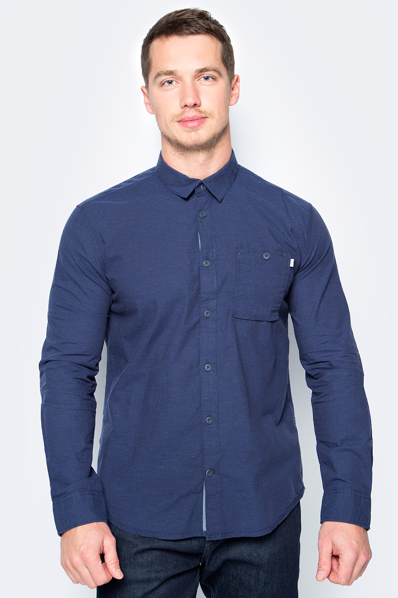Рубашка мужская Tom Tailor, цвет: синий. 2033732.00.10_6811. Размер S (46)2033732.00.10_6811Стильная мужская рубашка Tom Tailor выполнена из высококачественного материала. Модель с отложным воротником и длинными рукавами застегивается на пуговицы спереди. Манжеты рукавов дополнены пуговицами. Оформлена рубашка нагрудным карманом.