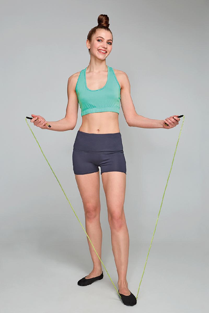 Шорты женские Grishko, цвет: темно-серый. AL- 3241. Размер 42AL- 3241Спортивные шорты с высокой посадкой выполнены из приятной на ощупь вискозы с эластаном. Этот струящийся по телу материал отлично пропускает воздух, позволяет телу дышать и охлаждает во время тренировок. Вискоза не накапливает статическое электричество, поэтому одежда не прилипает к телу.