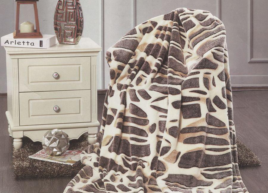 Плед ТД Текстиль Absolute, цвет: бежевый, 200 х 220 см. 8957189571Плед ТД Текстиль Absolute - это идеальное решение для вашего интерьера! Он порадует вас легкостью, нежностью и оригинальным дизайном! Плед выполнен из 100% полиэстера.Полиэстер считается одной из самых популярных тканей. Это материал синтетического происхождения из полиэфирных волокон. Внешне такая ткань схожа с шерстью, а по свойствам близка к хлопку. Изделия из полиэстера не мнутся и легко стираются. После стирки очень быстро высыхают. Плед - это такой подарок, который будет всегда актуален, особенно для ваших родных и близких, ведь вы дарите им частичку своего тепла!