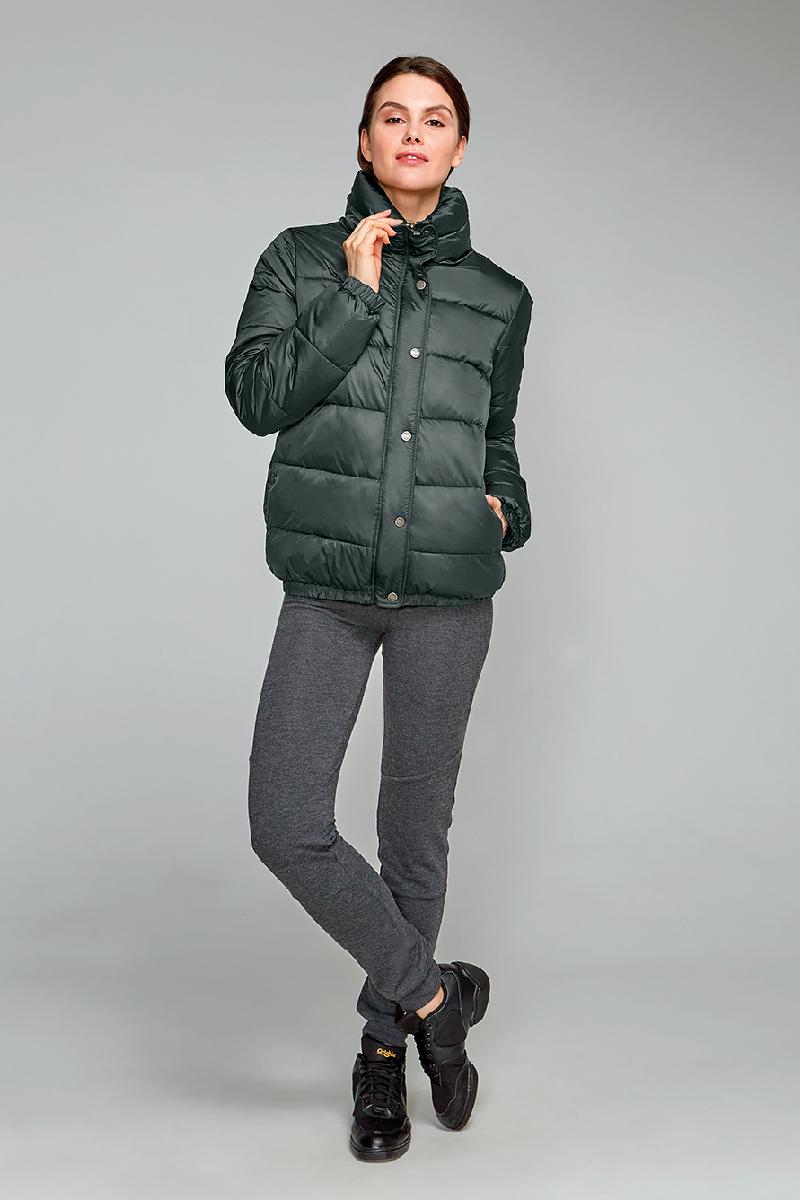 Куртка женская Grishko, цвет: хаки. AL - 3291. Размер 44AL - 3291Суперстильная молодежная куртка с прорезными карманами на молниях и высоким широким воротником. Рукава на резинках. Утеплитель - 100% микрофайбер. Микрофайбер - это утеплитель нового поколения, который отличается повышенной теплоизоляцией, антибактериальными свойствами, долговечностью в использовании, необычайно легок в носке и уходе. Изделия легко стираются в машинке, не теряя первоначального внешнего вида. Комфортная температура носки до минус 10 градусов.