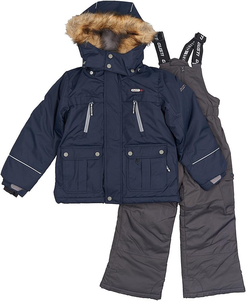 Комплект верхней одежды для мальчика Gusti, цвет: синий, черный. GWB 3314-NAVY. Размер 112GWB 3314-NAVYКомфортный и теплый комплект верхней одежды, состоящий из куртки и полукомбинезона, выполнен из мембранной ткани.Съемный капюшон на кнопках с дополнительной утяжкой, спереди установлены две кнопки. Рукава с манжетами, регулируются липучкой. На куртке два кармана, застегивающиеся на молнию и два накладных кармана на кнопках. Застежка-молния с внешней ветрозащитной планкой.Полукомбинезон на регулируемых подтяжках гарантирует посадку по фигуре. Силиконовые отстегивающиеся штрипки на брючинах. Снегозащитная юбка фиксируется эластичным манжетом, предотвращая попадание снега внутрь. Модель оснащена светоотражающими элементами.