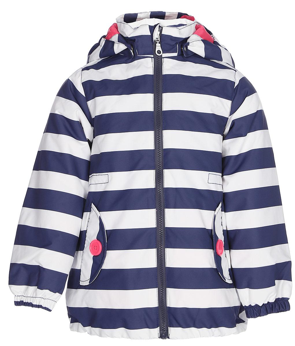 Куртка для девочки Lassie, цвет: темно-синий, белый. 721706R963. Размер 92721706R963Легкая и удобная куртка для девочек на весенне-осенний период. Она изготовлена из водоотталкивающего и ветронепроницаемого материала, но при этом хорошо дышит. Куртка снабжена дышащей и приятной на ощупь подкладкой, которая облегчает надевание. Съемный капюшон обеспечивает защиту от холодного ветра, а также безопасен во время игр на свежем воздухе! Благодаря эластичной талии и эластичному подолу эта удлиненная модель для девочек отлично сидит по фигуре. Снабжена множеством продуманных деталей, например двумя карманами с клапанами, эластичными манжетами и молнией во всю длину с защитой для подбородка.