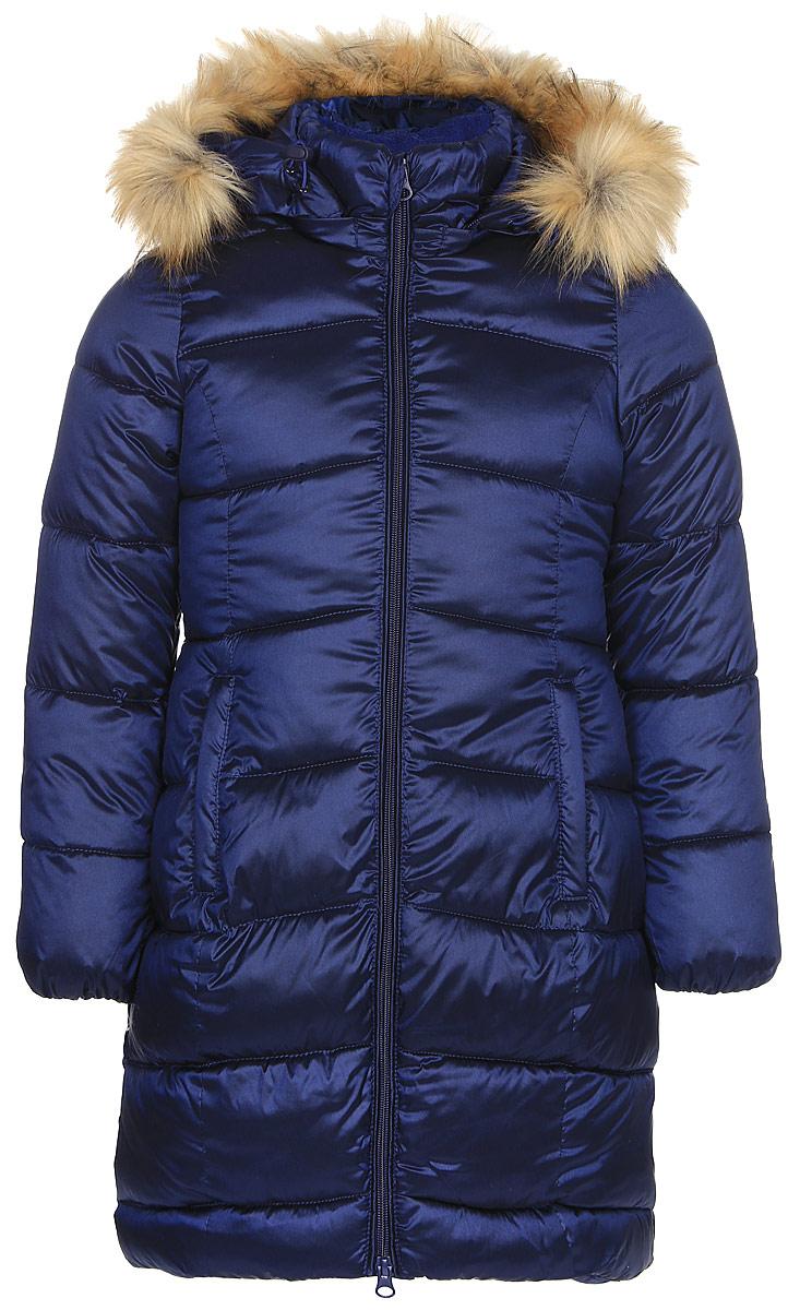 Пальто для девочки Oldos Лиза, цвет: чернильный. 1O7CT00. Размер 140, 10 лет1O7CT00Зимнее классическое пальто для девочки Oldos Лиза c капюшоном и длинными рукавами выполнено из прочного полиэстера. В составе ткани верха нейлон, что делает изделие износостойким: оно не линяет, не протирается при интенсивной эксплуатации и сохраняет презентабельный вид при многократных стирках. Покрытие TEFLON защищает от воды и грязи. Современный утеплитель (искусственный лебяжий пух) легкий, как натуральный, отлично сохраняет тепло, не впитывает влагу, держит и быстро восстанавливает объем, гипоаллергенен.Подкладка – флис, в рукавах - гладкий полиэстер. Модель застегивается на застежку-молнию спереди и имеет ветрозащитный клапан. Пальто дополнено двумя карманами. Меховая опушка из искусственного меха отстегивается. Модель имеет визитку-нашивку (потеряшку). Светоотражающие элементы обеспечивают хорошую видимость в темное время суток. Пальто хорошо защищает от ветра и мороза благодаря съемному капюшону с регулировкой объема, воротнику-стойке, внутренним саморегулирующимся трикотажным манжетам в рукавах. Изделие рекомендовано носить при температуре от-35°С до 0°С.