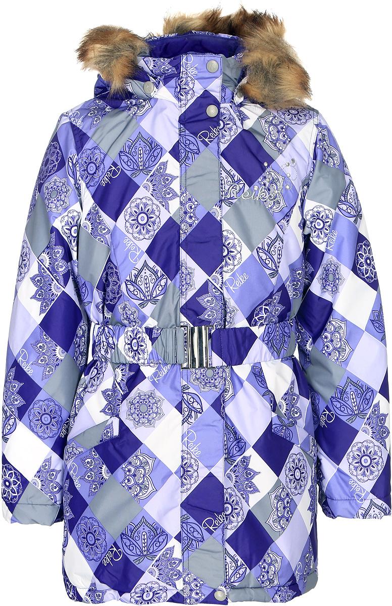 Куртка для девочки Reike, цвет: фиолетовый. 3966715_FDM purple. Размер 1643966715_FDM purpleКуртка для девочки Reike Цветы изготовлена из ветрозащитного, водоотталкивающего, дышащего материала с ажурным принтом в виде цветов. Подкладка выполнена из принтованного полиэстера с флисовым подкладом. Куртка дополнена съемным регулирующимся капюшоном с отстегивающейся меховой опушкой и светоотражающими лентами, поясом-резинкой с серебристой металлической пряжкой, а также двумя карманами на молниях. На груди оригинальная серебристая вышивка логотипа Reike, украшенная декоративными камушками. Рукава оформлены трикотажными манжетами. Ветрозащитная планка на кнопках и липучках по всей длине молнии не допускает проникновения холодного воздуха. Базовый уровень. Коэффициент воздухопроницаемости куртки: 2000гр/м2/24 ч. Водоотталкивающее покрытие: 2000 мм.