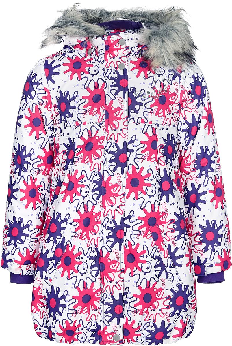 Куртка для девочки Reike Зимние звезды, цвет: белый. 394461_WSR white. Размер 128394461_WSR whiteКуртка для девочки Reike Зимние звезды изготовлена из ветрозащитного, водоотталкивающего, дышащего материала с ярким принтом в виде звезд. Подкладка выполнена из принтованного полиэстера с флисовым подкладом. Куртка с завышенной талией дополнена съемным регулирующимся капюшоном с отстегивающейся меховой опушкой, светоотражающими лентами и элементом на спине в форме звездочки, повторяющим узор принта, а также двумя карманами. На груди оригинальная серебристая вышивка логотипа Reike. Низ куртки присборен резинкой. Рукава на утяжке и ветрозащитная планка на кнопках и липучках по всей длине молнии не допускает проникновения холодного воздуха. Базовый уровень. Коэффициент воздухопроницаемости куртки: 2000гр/м2/24 ч. Водоотталкивающее покрытие: 2000 мм.