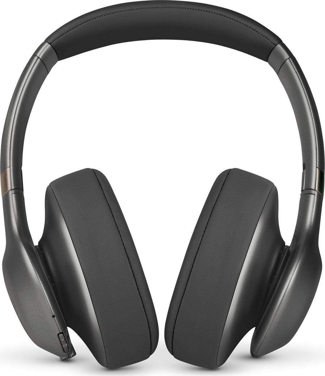 JBL Everest 710, Gun Metal наушникиJBLV710BTGMLНаденьте наушники JBL Everest 710 — и вас ждет до 25 часов свободного от проводов прослушивания, потрясающий легендарный звук JBL Pro, эргономичный комфорт и удобное прилегание благодаря отделке из высококачественных материалов. Технология Share Me 2.0 позволяет делиться музыкой с друзьями через Bluetooth. Благодаря быстрому времени зарядке (2 часа), элегантному складывающемуся дизайну и компактному жесткому футляру эти наушники станут вашим идеальным попутчиком в поездках. Встроенный микрофон обеспечивает кристально чистый звук во время звонков в режиме hands-free, а удобные кнопки на чашке наушника позволяют выбирать нужную музыку. Наушники доступны в металлических оттенках. Они сделают музыку центром вашей жизни. Позвольте себе этот звук.