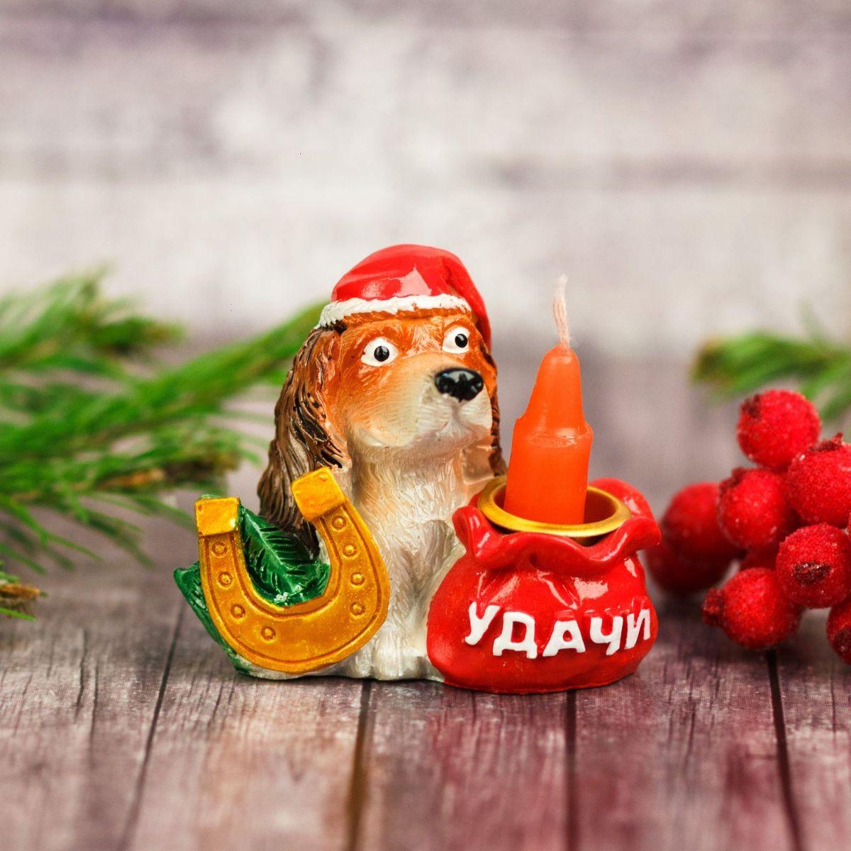 Подсвечник Sima-land Удачи, 5 см1989285Создать романтичную атмосферу в самую волшебную ночь года поможет Подсвечник Удачи. Мерцающий свет от одного или нескольких изделий наполнит комнату теплом и принесёт новогоднее настроение.Сувенир станет приятным сюрпризом или отличным дополнением к основному подарку.Внимание! Расставляйте зажжённые свечи аккуратно, вдали от легковоспламеняющихся предметов.
