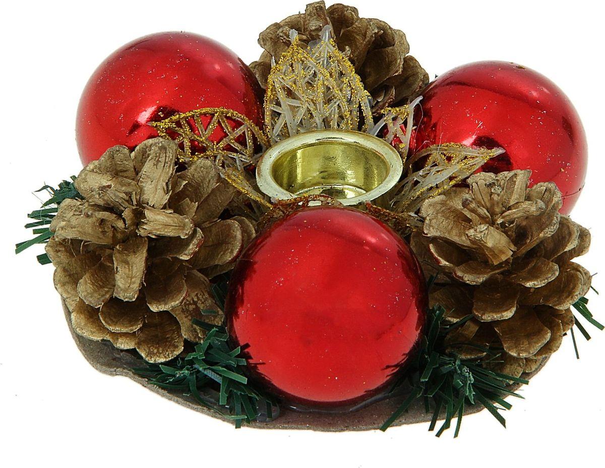 Подсвечник Sima-land Цветок резной, 9,5 см811518В чём волшебство Нового года? В чарующих праздничных огоньках. Нарядные подсвечники создадут в помещении особую тёплую атмосферу, наполнят интерьер торжественностью и уютом. Просто зажгите огни и наслаждайтесь прелестью зимних праздников!Подсвечник на одну свечу Цветок резной золото — это оригинальное украшение для праздничного стола, а ещё это красивый новогодний подарок. Порадуйте себя и близких сказочным настроением!