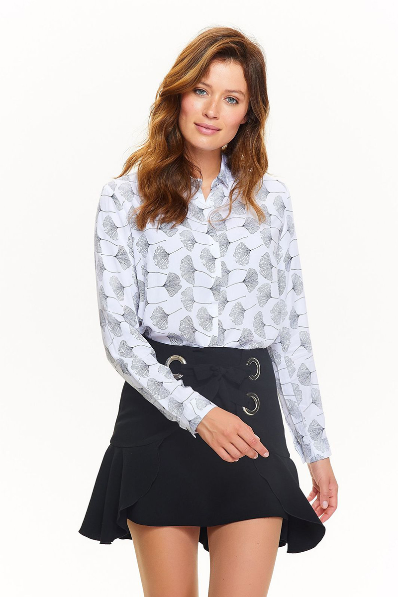 Рубашка женская Top Secret, цвет: белый. SKL2378BI. Размер 34 (42)SKL2378BIСтильная женская рубашка Top Secret, выполненная из высококачественного материала, подчеркнет ваш уникальный стиль и поможет создать оригинальный образ. Рубашка с длинными рукавами и отложным воротником застегивается на пуговицы спереди. Манжеты рукавов также застегиваются на пуговицы. Такая рубашка будет дарить вам комфорт в течение всего дня и послужит замечательным дополнением к вашему гардеробу.