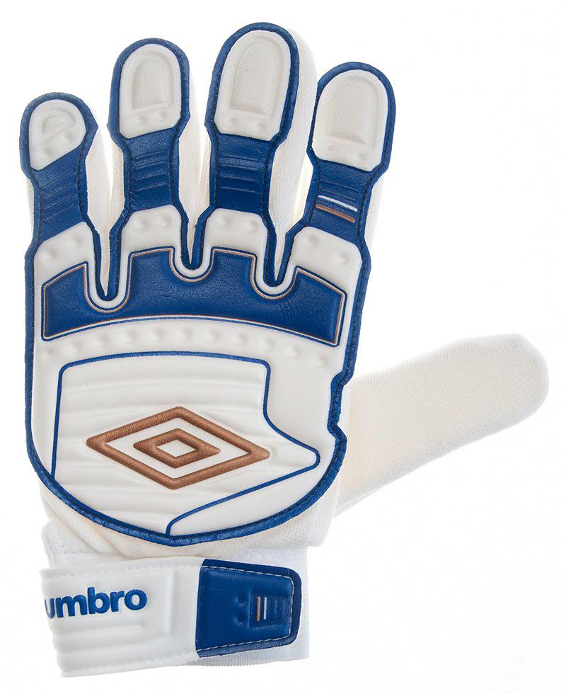 Перчатки вратарские Umbro Stealth Shield Jun Glove, цвет: белый, бронзовый, синий. 503217. Размер 7503217Перчатки вратарские детские Umbro. Ладонь из латекса. Вставки из сетки для вентиляции. Эмбоссированная защита зоны удара.