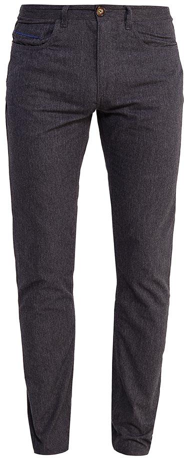Брюки мужские Sela, цвет: пепельный. P-215/119-7351. Размер 46P-215/119-7351Мужские брюки от Sela выполнены из хлопкового трикотажа. Модель прямого кроя в талии застегивается на пуговицу, имеются шлевки для ремня и ширинка на застежке-молнии. Брюки имеют классический пятикарманный крой.