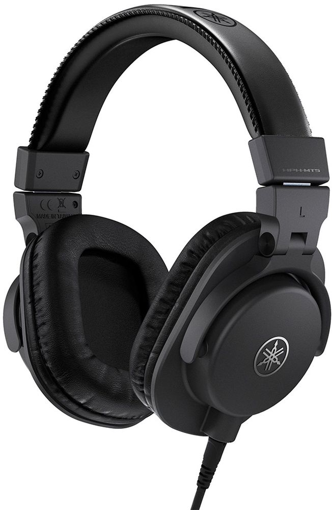 Yamaha HPH-MT5, Black наушникиMCI54968Точное звучание для профессионального мониторинга и малая масса.HPH-MT5 - высококачественные мониторные наушники, обеспечивающие достоверный звук, по достоверности практически не уступающий оригиналу. Идеально подходят для работы в студии, музыкального продакшена на дому или персонального прослушивания. Гарантируют комфортный мониторинг даже при длительном прослушивании благодаря исключительно малой массе.Наушники MT5 имеют специально разработанные динамики со звуковыми катушками из омедненной алюминиевой проволоки и мощными неодимовыми магнитами для достижения точного разрешения и управляемости. Благодаря звуковым катушкам из алюминиевой проволоки, покрытой высокопроводящей медью, эти легкие, но мощные громкоговорители обеспечивают широкий частотный диапазон 20 Гц – 20 кГц и ровное звучание с высоким разрешением, отвечающее требованиям профессионального мониторинга.Все акустические компоненты наушников MT5 - от кронштейнов до чашек - разработаны так, чтобы обеспечивать максимально возможную точность воспроизведения звука, полностью устраняя паразитные резонансы.Для профессиональных звукоинженеров, занимающихся критическим прослушиванием (в частности, в студиях звукозаписи), очень важно, чтобы используемые ими наушники были подогнаны так, чтобы не утомлять в ходе долгих сеансов прослушивания, и гарантировали уровень изоляции, позволяющий сконцентрироваться во время работы. Наушники HPH-MT5 обеспечивают превосходные уровни комфорта и изоляции и разработаны именно для того, чтобы отвечать высоким стандартам пользователей-профессионалов.Наушники MT5 имеют изящный и стильный дизайн, а их охватывающее уши закрытое исполнение обеспечивает удобную подгонку и отличную изоляцию.Наушники MT5 оснащены большими амбушюрами, делающими подгонку чрезвычайно комфортной. Изготовленные из гладкой синтетической кожи, они, не создавая чрезмерного давления и поглощая избыточную вибрацию, обеспечивают исключительное удобство ношения и высокий уровень 