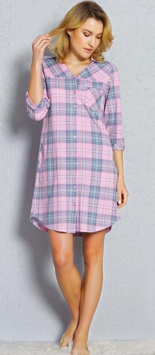 Халат-рубашка женский Vienettas Secret, цвет: розовый. 705115 3190. Размер M (46)705115 3190Халат-рубашка женский Vienettas Secret выполнена из натурального хлопка. Модель с V-образным вырезом горловины оформлена оригинальным принтом.